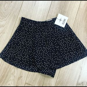 Adorable polka dot shorts! NWT